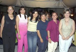 <u><b> 13 de mayo </u> </b><p> Soledad Gordillo, Elizabeth Espinoza, Laura Velásquez, Lorena Ruiz, Ionne Villarreal y Anabel Garza.
