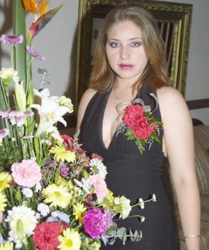 <u><b> 13 de mayo </u> </b><p>  Perla Sophia Martínez Olivas contraerá matrimonio en próximas fechas y por tal motivo, fue despedida de us soltería.