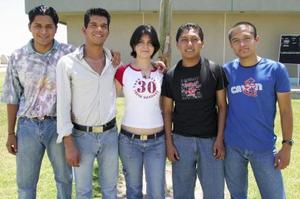 Jasid Arrieta, Gerardo Guerrero, Dulce Luna, Javier Olguín y Omar Rosas