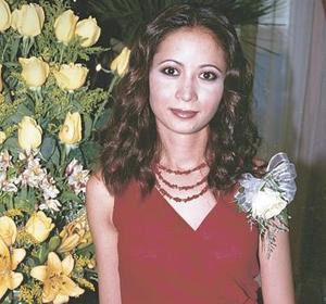 <u><b> 14 de mayo </u> </b><p>  Karla López García en su primera despedida de soltera.