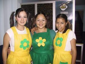 <u><b> 15 de mayo </u> </b><p>  Liliana García, Espernaza de la Rosa y Jessica Acosta.