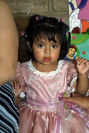 Paola Muñoz Peréz festejó su cumpleaños, con un divertido convivio que le ofrecieron sus papás en días pasados.