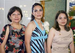 Diana Patricia Contreras Mejía disfrutó de una despedida de soltera, ofrecida por Elvia Mejía de Contreras y Alejandra Contreras Mejía.