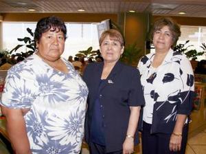 Antonia Candela Reyes, Manuela Rodríguez Rubio y Oralia Meza Cruz, maestras de la escuela Año de Zaragoza de Torreón.