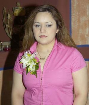 <u><b> 18 de mayo </u> </b><p>  Nadia Berenice Gutiérrez Garay, captada en su despedida de soltera.