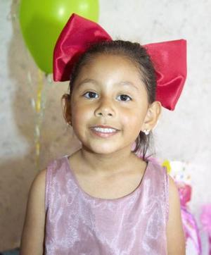 Ana Cristina Morales Miranda festejó su tercer aniversario de vida, con un convivio.