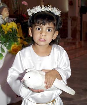<u><b> 19 de mayo </u> </b><p> Sofía Saldaña Juárez celebró sus tres años de vida, con un agradable festejo al que asistieron numerosos amiguitos para felicitarla.