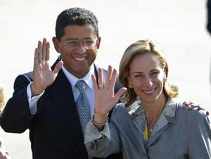 El presidente salvadoreño Francisco Flores y su esposa Lourdes de Flores