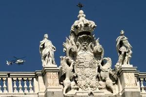 El Palacio Real es vigilado con helicópteros