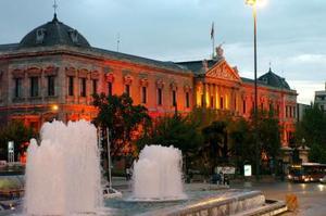 La fachada del edificio de la Biblioteca Nacional, situado en el madrileño Paseo de Recoletos