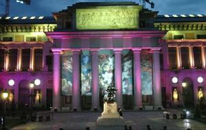 La fachada del Museo del Prado, situado en el madrileño Paseo del Prado ha sido iluminada dentro de las pruebas de iluminación realizadas en Madrid con motivo de la boda