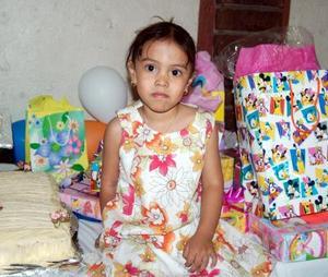 <u><b> 20 de mayo </u> </b><p>Mariana Mendoza Mejía fue festejada por sus papás, con un divertido convivio infantil con motivo de su cumpleaños.