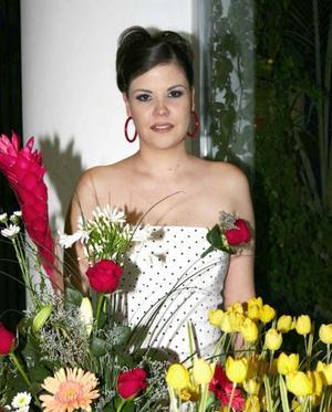 <u><b> 21 de mayo </u> </b><p>  Ivette Andrade Casillas, captada en la despedida de soltera que le ofrecieron por su próximo matrimonio.