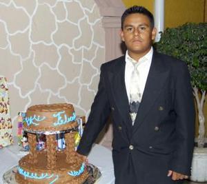 José Abraham de León Álvarez festejó su cumpleaños en días pasados, con un agradable convivio.