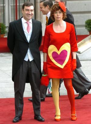 El director del diario El Mundo, Pedro J. Ramírez, acompañado de su esposa, la diseñadora Agatha Ruíz