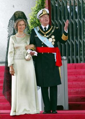 Fue la primera boda real en España desde la del rey Alfonso XIII, bisabuelo de Felipe, en 1906. <p>  El padre del príncipe, el rey Juan Carlos, y su abuelo, Juan de Borbón, se casaron en el extranjero durante la dictadura del general Francisco Franco.