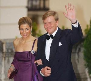 El príncipe de Holanda Willem-Alexander y su esposa Maxima