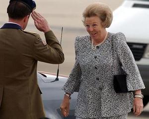 La reina de Holanda Beatrix a su llegada