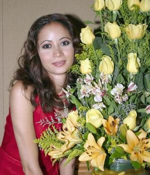 Karla López García contraerá matrimonio el próximo 17 de julio, con Ulises González.