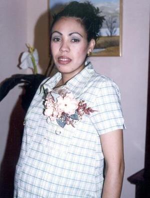 <u><b> 23 de mayo </u> </b><p> Rosario Herrera de Vázquez espera la llegada de su bebé y por tal motivo, recibió numerosas felicitaciones en su fiesta de canastilla.