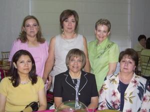 Tere de Martínez, Paty de Morán, Isabel de Zúñiga, Susy de Ortiz, Pilar de Vázquez y Laura de Sepúlveda, captadas recientemente.