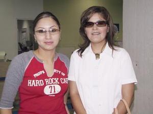 <u><b> 23 de mayo </u> </b><p>  Karen Palacios y Alejandra Garnica viajaron con destino a Mazatlan.