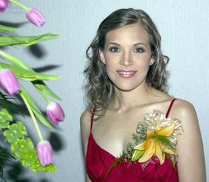 Ana Elisa Lastra camacho, captada en la despedida de soltera que se le ofreció, por su próximo matrimonio con Ricardo Robles.