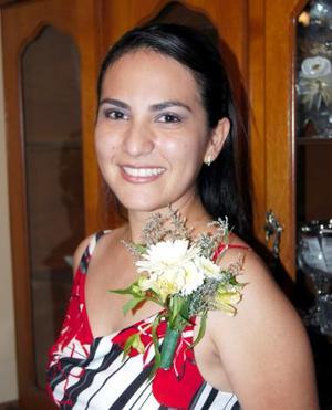 <u><b> 25 de mayo </u> </b><p>  Diana Patricia Contreras Mejía fue despedida de su soltería en días pasados, con motivo de su próxima boda.