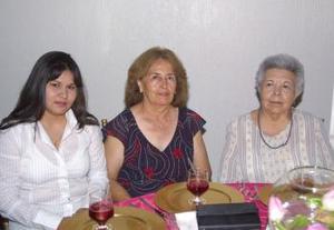 Irán Moreno, Alicia Lastra y Tere de Lastra.