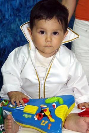 Luis Enrique Gallegos Gómez festejó su primer año de vida, con un divertido convivio que le ofrecieron sus papás.