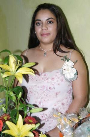 Claudia González Vega contraerá nupcias en próximas fechas y por tal motivo, fue despedida de su soltería.