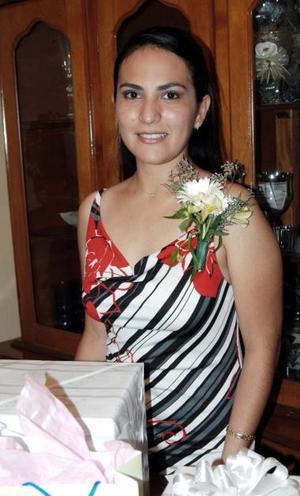Diana Patricia Contreras Mejía, captada en la despedida de soltera que le ofrecieron en días pasados.