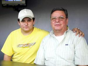 Luis González y Samuel González apoyaron al equipo de casa.
