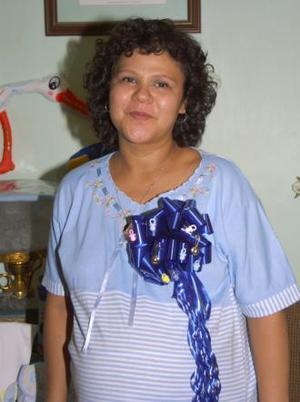 Con motivo de la llegada de su segundo bebé, Blanca Alicia Morones Martínez, disfrutó de una fiesta de regalos.