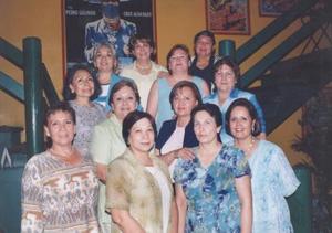 Grupo de ex Alumnas Contables y Fiscales en pasada reunión.
