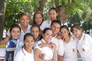 Elisa, Cecy, sandra, Pamela, Elena, Gaby, Érika, Sergio, Karla y Astrid.