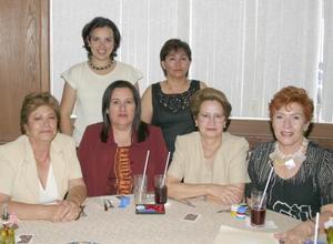 Leticia de Albores, Susana Niño de Rivera, Lily de Bustos, Chela de Orozco, Martita Marmolejo y Chely de Rosales.