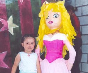 La pequeña Luisa Sofía Castilla Monárrez, en su fiesta de cumpleaños.