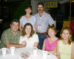 Jorge Zamudio, Claudia Dávila, Martha Cavazos, Lilia Gurrola, Iván Samaniego y Nidia de Samaniego.