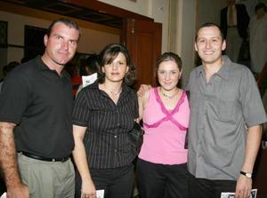 Emilio Solana, Maripily Córdova, Alicia Acosta y javier Echávez.