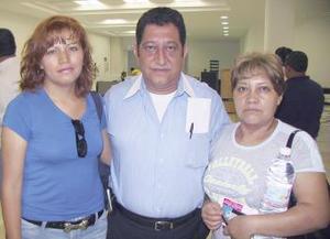 <u><b> 03 de Junio </u> </b><p>  Hiram Navarro, Dalia Jiménez y Edith Bello volaron con destino al DF.