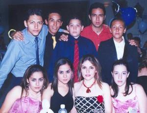 Marisol, Maribel y Vero Esqueda Tello, Daniela Zayas, J. Abrham Rangel, José Ruiz, Jorge Zayas, Arón Rangel y Feliciano García, en pasado evento social.