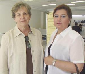 Anelisa Camacho e Ileana Ríos viajaron a Cancún en plan vacacional.