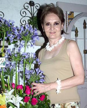 Bertha Alicia Gámez Navarrete, captada en la fiesta de cumpleaños que le ofrecieron en días pasados.