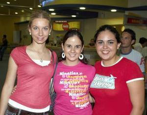 Priscilla de la Fuente, Pilar Araujo y Adriana Cepeda.