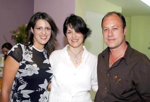 <u><b> 04 de Junio </u> </b><p>  Selina Gutiérrez, Cecy Fernández y ricardo González.