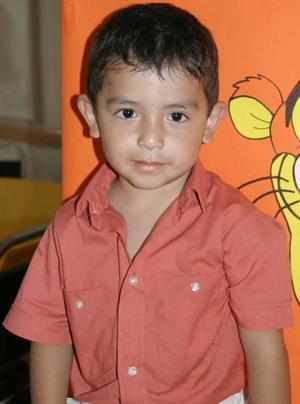 <u><b> 05 de Junio </u> </b><p> Carloos Ramírez González captado en su fiesta de cumpleaños.