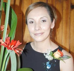 <u><b> 04 de Junio </u> </b><p>  Silvia Gómez Falcón, captada en su despedida de soltera.