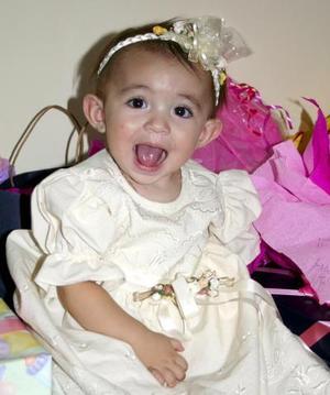 Ivanna Stefania Contreras González festejó su primer año de vida, con una agradable merienda que le organizaron sus papás
