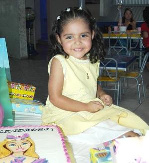 María Fernanada Solés Ahumada, captada en la fiesta de cumpleaños que le organizaron en días pasados..